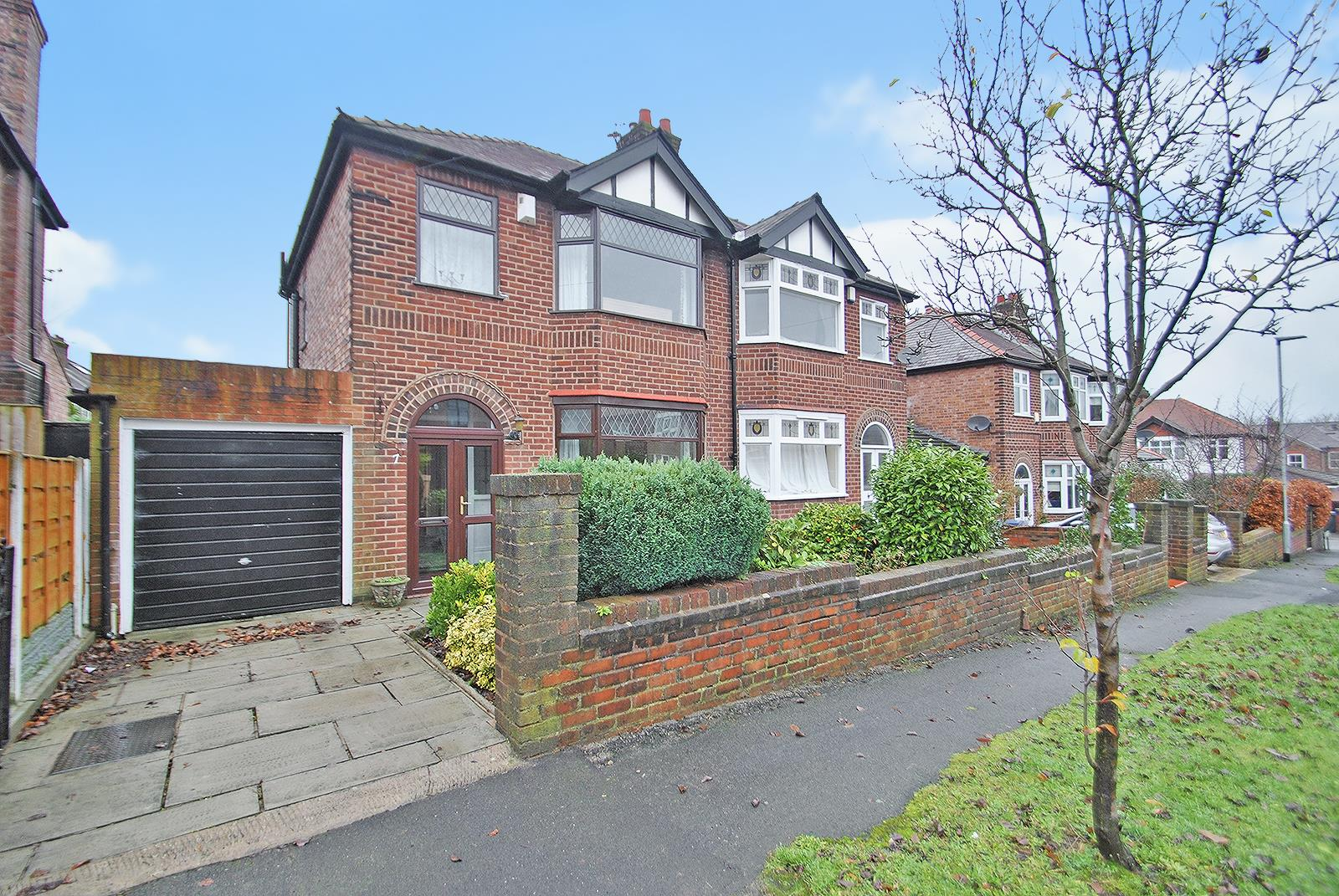 3 Bedrooms Semi Detached House for sale in Osborne Road, WALTON, Warrington, WA4